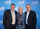 O Τζώρτζης Ποφάνης - Chief Content Officer ANT1 TV , η Στέλλα Λίτου - Γενική Διευθύντρια ΑΝΤ1 TV και ο Τάσος Μιχαλάκης - Chief Revenue Officer ANTENNA Group