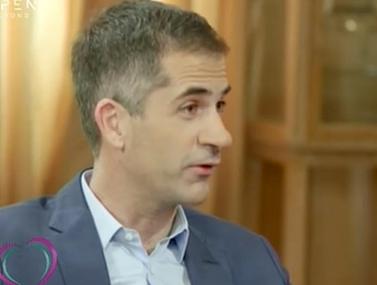 """Ο Κώστας Μπακογιάννης αποκαλύπτει: """"Το παλεύουμε με τη Σία να κρατάμε όσο γίνεται πιο μακριά…"""""""