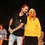 Μάρκος Σεφερλής: Δείτε καρέ – καρέ τη στιγμή που ανέβασε τον Sin Boy στην σκηνή του θεάτρου