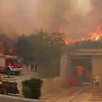 Ανεξέλεγκτη η μεγάλη φωτιά στη Ζάκυνθο