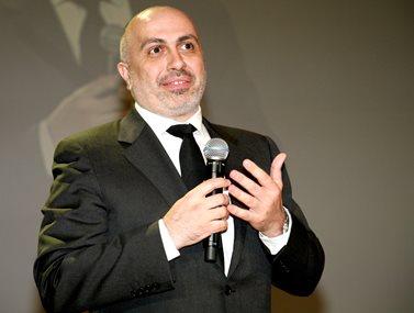 Γιώργος Κορρές: Έπεσε θύμα κλοπής στο Σύνταγμα