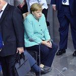 Άνγκελα Μέρκελ: Μυστήριο με την υγεία της- Με κλειστά μάτια σε δημόσια εμφάνιση