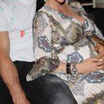 Η γνωστή Ελληνίδα μας δείχνει για πρώτη φορά τον νεογέννητο γιο της