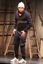 Ευθύμης Ζησάκης: Έκανε πρεμιέρα στην θεατρική παράσταση Έξαλλοι 2