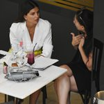 Paparazzi! Σταματίνα Τσιμτσιλή: Για καφέ σε γνωστό εμπορικό κέντρο παρέα με καλή της φίλη