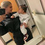 Η κόρη της Κάιλι Τζένερ έγινε ενός και όλο το Instagram γέμισε με φωτογραφίες της μικρής Στόρμι!