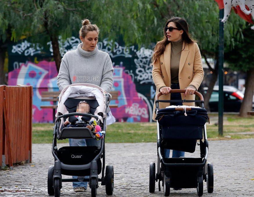 Paparazzi! Ελεονώρα Μελέτη-Φλορίντα Πετρουτσέλι: Βόλτα με τις κόρες τους στην Γλυφάδα