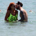 Χρηστίδου - Μαραντίνης: Τρυφερές στιγμές στην παραλία! Φωτογραφίες