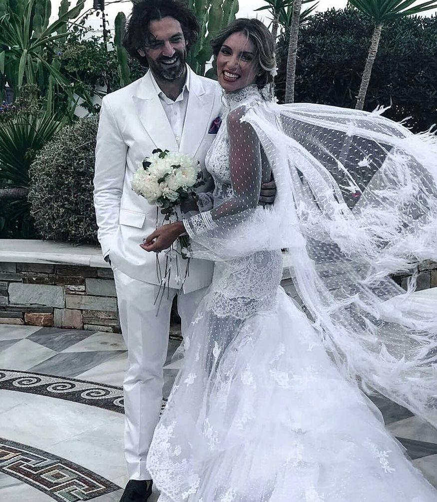 Έλα στη θέση μου: Οι συμπρωταγωνιστές της σειράς στον γάμο της Αθηνάς Οικονομάκου και η απουσία που συζητήθηκε