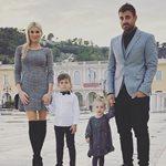 Στέλιος Χανταμπάκης-Όλγα Πηλιάκη: Βραδινή έξοδος με τα παιδιά τους