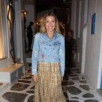 Μαριέττα Χρουσαλά: Χαλαρή βόλτα στα σοκάκια της Μυκόνου!