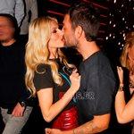 Στέλιος Χανταμπάκης-Όλγα Πηλιάκη: Παθιασμένα φιλιά σε νυχτερινή τους έξοδο