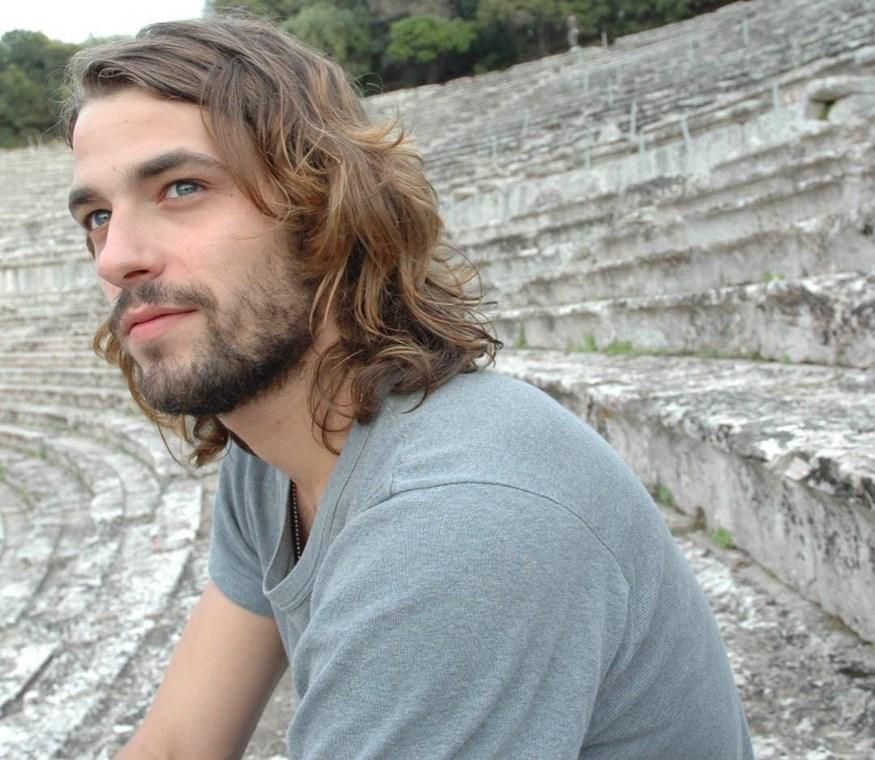 Αποστόλης Τότσικας: Δείτε την απίστευτη μεταμόρφωσή του για τις ανάγκες του ρόλου του, ως Ιησούς Χριστός