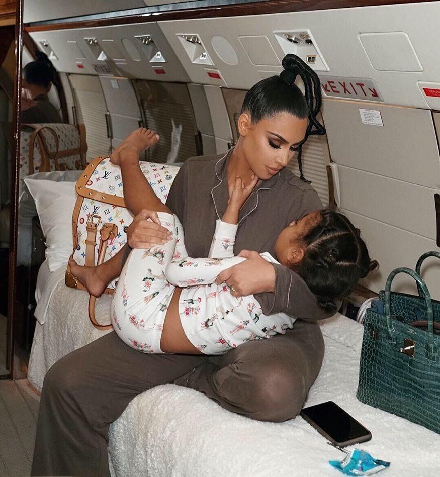 Κιμ Καρντάσιαν: Το τρυφερό video με τις κόρες της που ξεπέρασε τα 11 εκατομμύρια views
