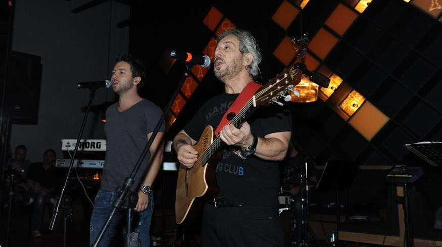 Γιάννης Βαρδής: Θα κινηθεί νομικά για τραγούδια του πατέρα του!