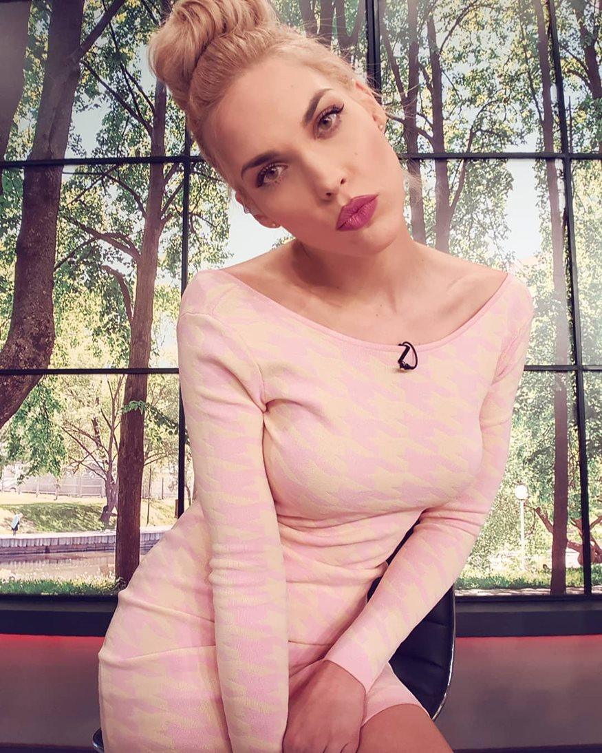 Μαντώ Γαστεράτου: Δημοσίευσε φωτογραφία με μαγιό μετά την είδηση της εγκυμοσύνης της!