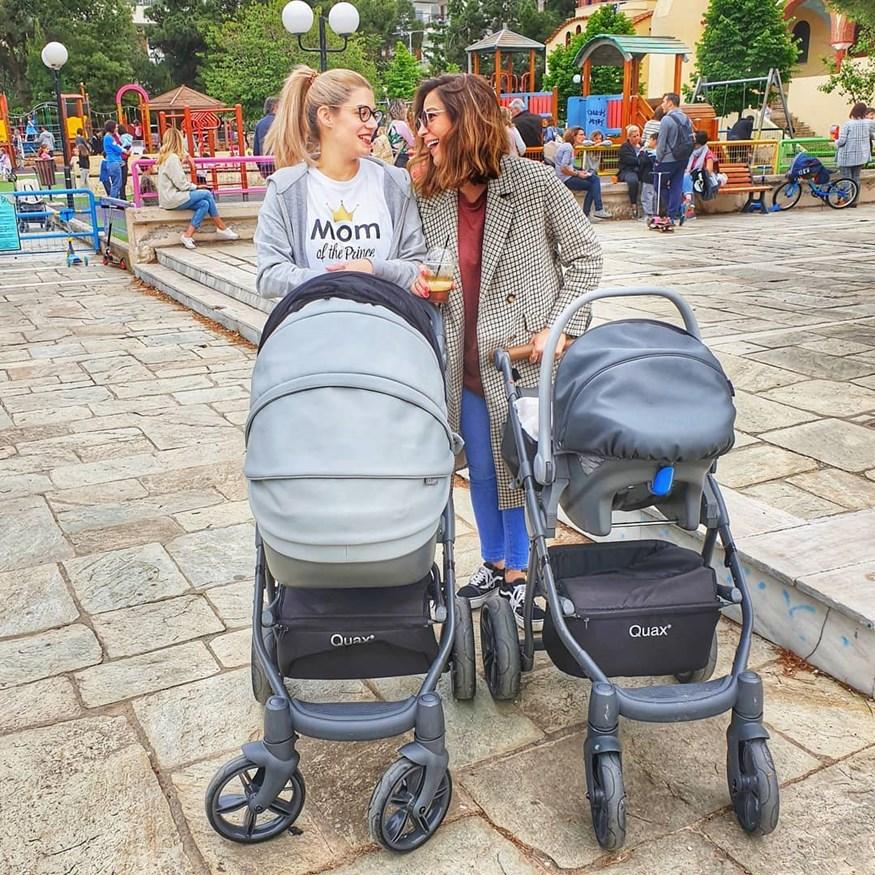 Κατερίνα Παπουτσάκη-Τζένη Θεωνά: Η συνάντηση και η βόλτα με τα νεογέννητα παιδιά τους