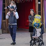 Paparazzi! Σίσσυ Φειδά - Γιώργος Ανδρίτσος: Οικογενειακή βόλτα με την κόρη τους Διώνη