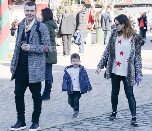 <span class=categorySpan colorGreen>Kids/</span>Ιωάννης Παπαζήσης και Βανέσα Αδαμοπούλου: Νέα κοινή εμφάνιση με τον 3,5 ετών γιο τους