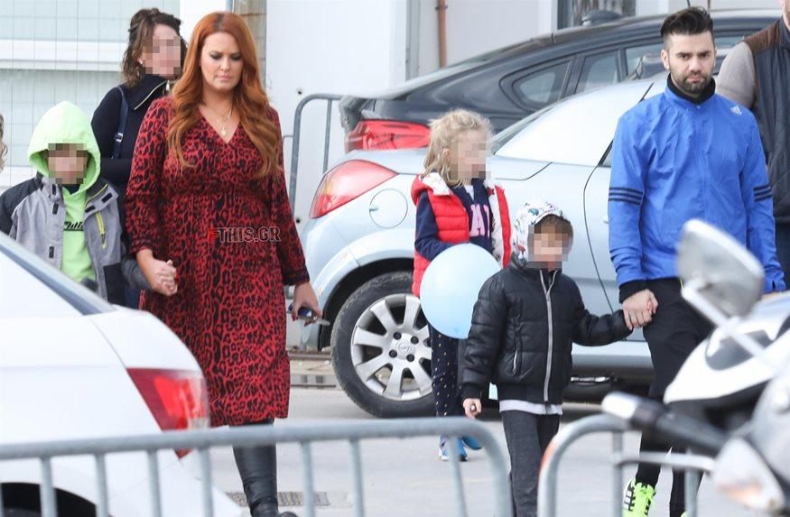 Paparazzi! Σίσσυ Χρηστίδου-Θοδωρής Μαραντίνης: Απογευματινή βόλτα με τους γιους τους