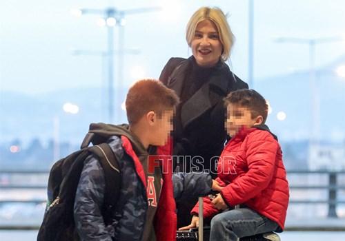 <span class=categorySpan colorGreen>Kids/</span>Φαίη Σκορδά: Ταξίδι αστραπή με τους γιούς της!