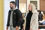 Γιώργος Γιαννιάς - Ελευθερία Παντελιδάκη: Απογευματινή βόλτα λίγο πριν γίνουν γονείς για δεύτερη φορά