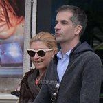 Paparazzi! Σία Κοσιώνη – Κώστας Μπακογιάννης: Χαλαρή βόλτα με το γιο τους στο κέντρο της Αθήνας