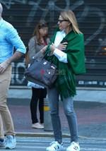 Paparazzi! Τζένη Μπαλατσινού: Χαλαρή έξοδος στο κέντρο της Αθήνας λίγο πριν το γάμο