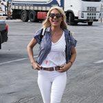 Paparazzi! Ελένη Μενεγάκη: Στο λιμάνι λίγο πριν ταξιδέψει για την Άνδρο