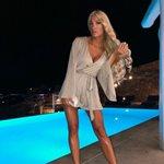 Η Ιωάννα Τούνη ποζάρει topless και ρίχνει το Instagram!