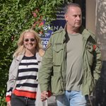 Paparazzi! Μαρία Μπεκατώρου: Χαλαρή βόλτα με τον σύζυγό της