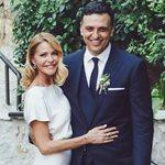Βασίλης Κικίλιας: Μας δείχνει τη βέρα του γάμου του με την Τζένη Μπαλατσινού!