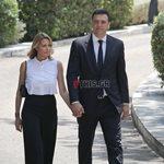 Τζένη Μπαλατσινού: Με διαφορετικά ρούχα στην ορκωμοσία και στην παράδοση Υπουργείου