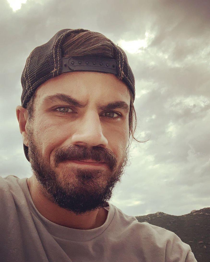 Άκης Πετρετζίκης: Στην Λευκάδα για διακοπές!