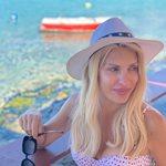 Η Ελένη Μενεγάκη για διακοπές στη Μύκονο!