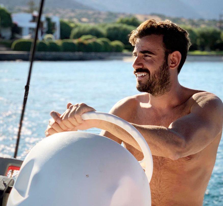 """Ο Νίκος Πολυδερόπουλος αποκαλύπτει: """"Ξενερώνω με τις γυμνές φωτογραφίες που μου στέλνουν…"""""""