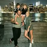 Στέλιος Χανταμπάκης - Όλγα Πηλιάκη: Το τρυφερό στιγμιότυπο με τα παιδιά τους στη Νέα Υόρκη