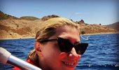 Σία Κοσιώνη: Ποζάρει με τη νονά του γιου της στις καλοκαιρινές της διακοπές