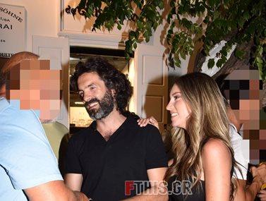 Paparazzi! Αθηνά Οικονομάκου – Φίλιππος Μιχόπουλος: Χαλαρές στιγμές στην Μύκονο
