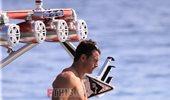 Paparazzi! Γιώργος Αγγελόπουλος: Βόλτα με το σκάφος στη Σκιάθο