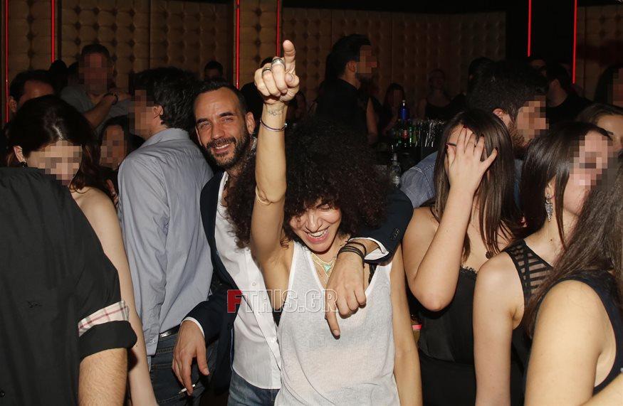 Paparazzi! Πάνος Μουζουράκης - Μαρία Σολωμού: Πιο ερωτευμένοι από ποτέ στη νέα τους βραδινή έξοδο