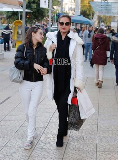 Άντζελα Γκερέκου: Για ψώνια με την κόρη της Μαρία!