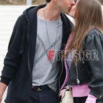 Paparazzi: Παθιασμένα φιλιά σε δημόσια θέα για το ζευγάρι της ελληνικής showbiz!