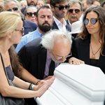 Ζωή Λάσκαρη: Το τελευταίο αντίο στην ηθοποιό και ο σπαρακτικός επικήδειος του Αλέξανδρου Λυκουρέζου