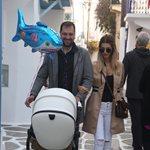 Βασίλης Σταθοκωστόπουλος: Απογευματινή βόλτα με τον γιο του