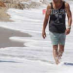 Παιχνίδια στην παραλία για το νιόπαντρο ζευγάρι της ελληνικής showbiz!