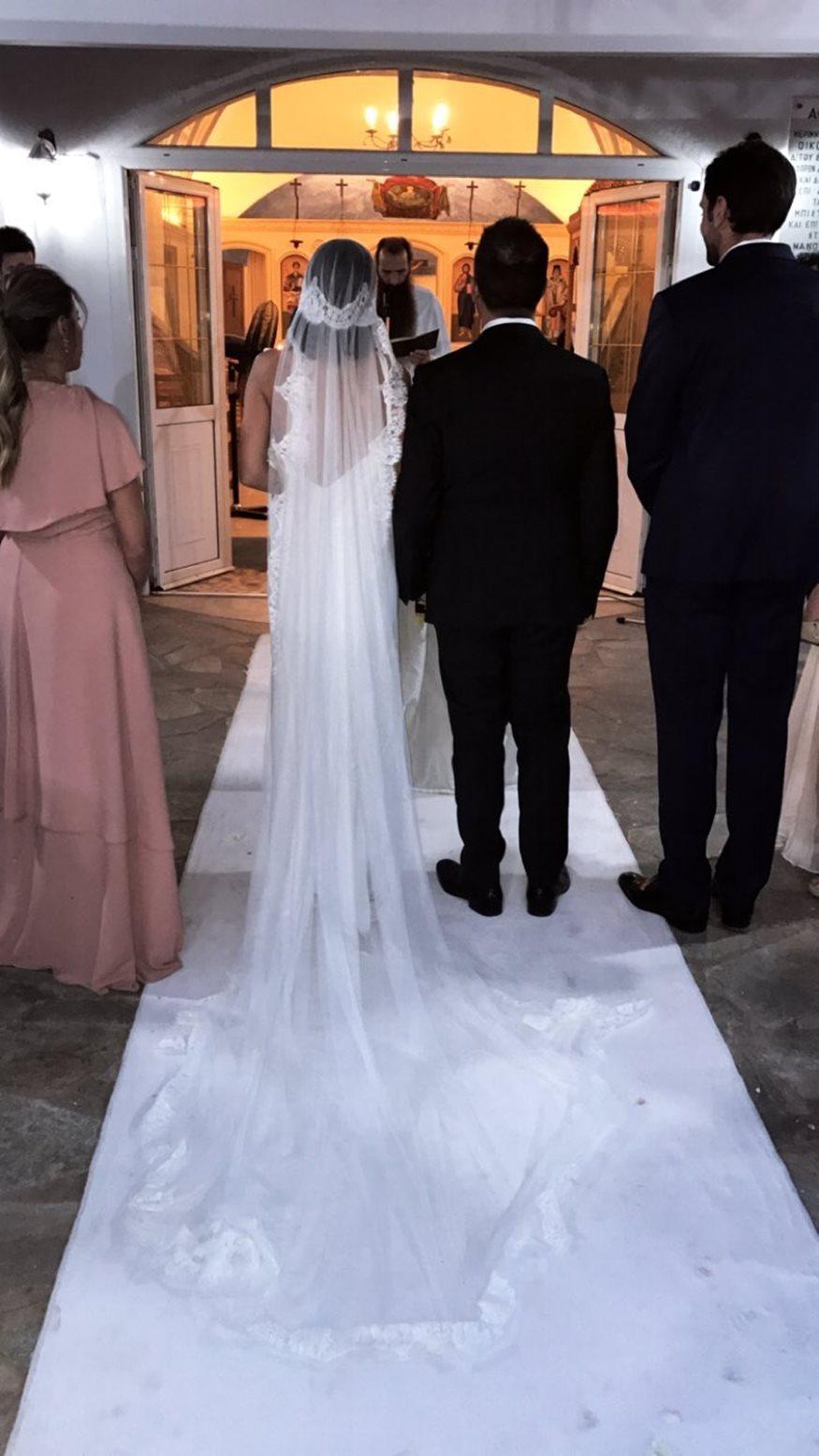 3b70b85771dd Το ζευγάρι της ελληνικής showbiz παντρεύτηκε με θρησκευτικό γάμο κα βάφτισε  τον γιο του