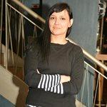 Η εγκυμονούσα Αθηναΐδα Νέγκα φωτογραφίζει τον γοητευτικό σύζυγό της