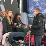 Paparazzi! Μαριέττα Χρουσαλά – Λέων Πατίτσας: Οικογενειακή έξοδος σε εμπορικό κέντρο