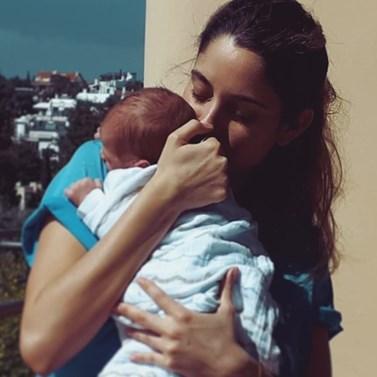 Δούκισσα Νομικού: Μας δείχνει το μεσημεριανό γεύμα που ετοίμασε για τον 11 μηνών γιο της